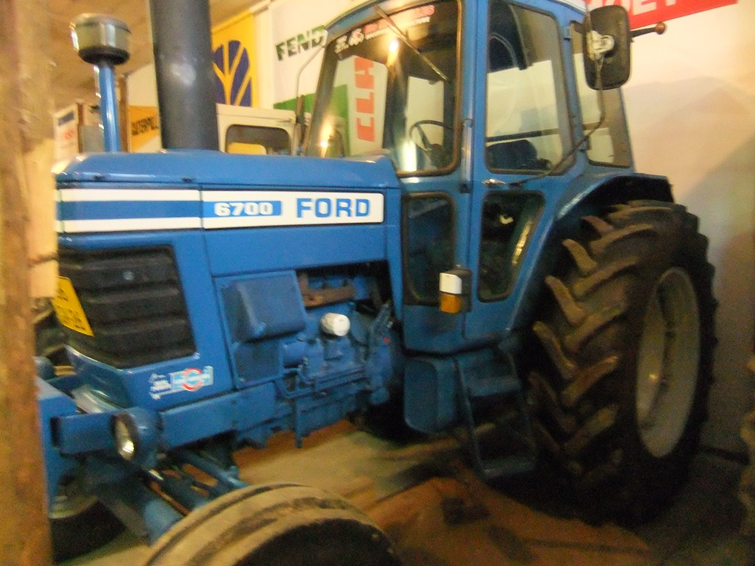 Ford 6700 art.nr.870 Velours