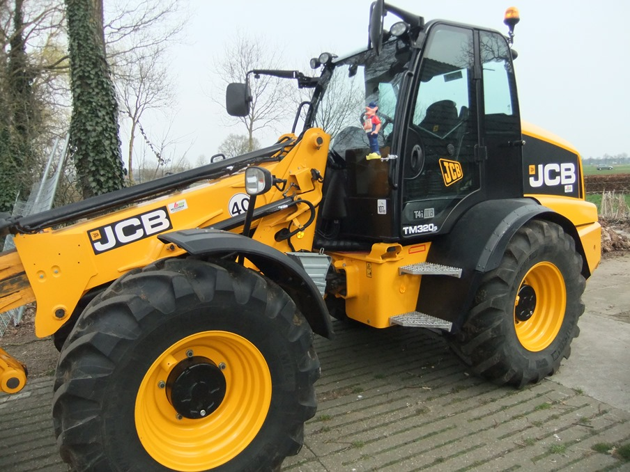 JCB TM 320-s 2017--> art.nr.3012 Super velours