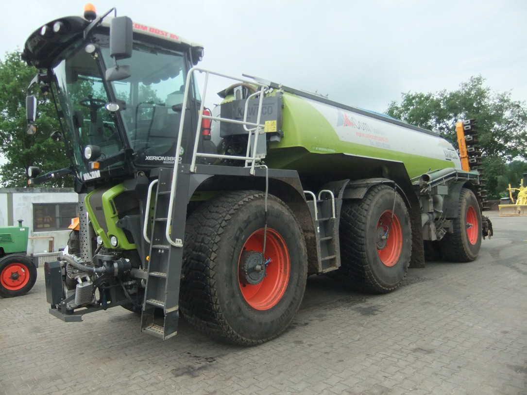 Claas Xerion Saddle-trac 33/3800 art.nr.198 - Naaldvilt